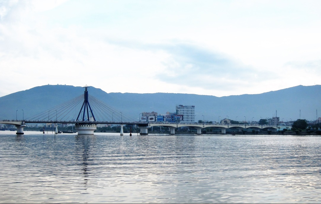 Da Nang Song Han Bridge