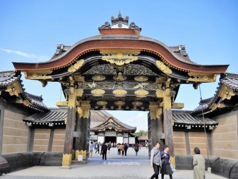 Kara-mon to Nimomaru Palace
