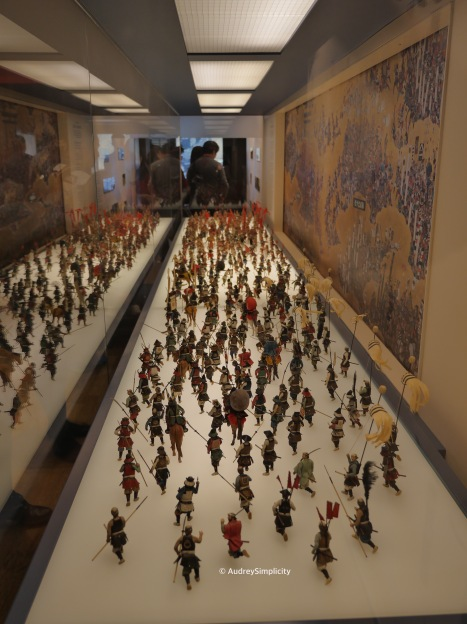 Mini figures depicting Osaka Summer War