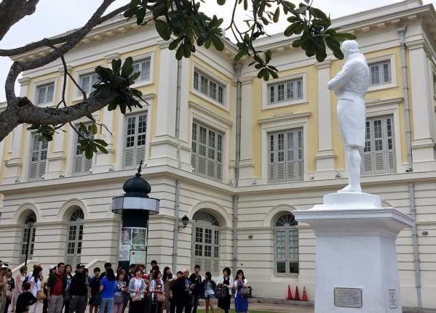 Sir Stamford Raffles statue by AudreySimplicity