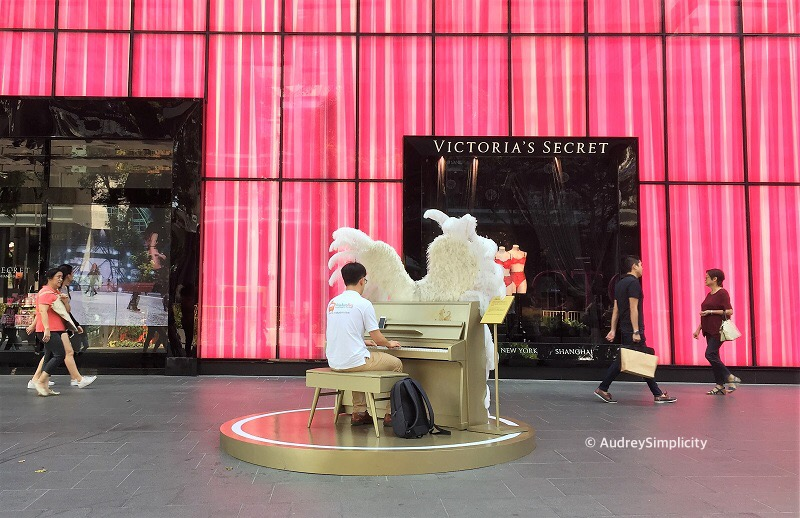 Singapore Orchard Road Piano Man