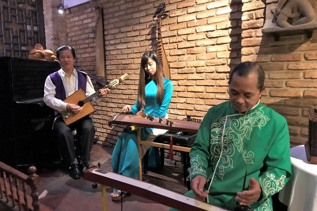 Vietnamese Live Performance.jpg