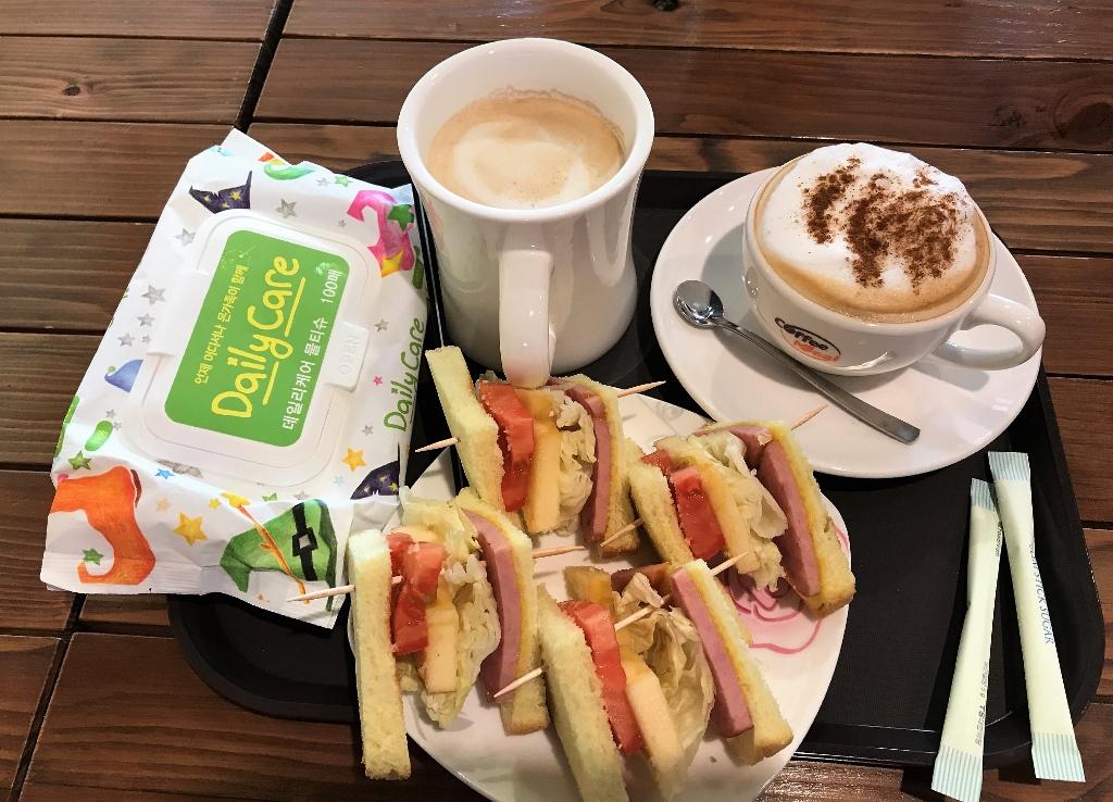 01 Breakfast IMG_4206